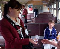 Проверка билетов в пригородном электропоезде