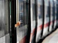 Каждый курильщик самостоятельно решает свою проблему с курением во время поездки