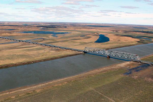 Длинный мост для узкой реки