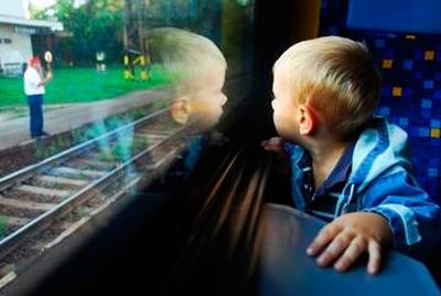 Дети до пяти лет едут в поезде бесплатно