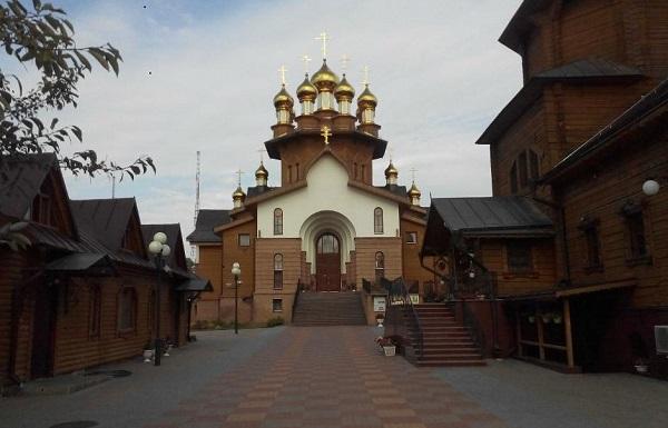 Деревянный храм святых мучениц