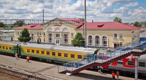 Платформа вокзала в Валуйках