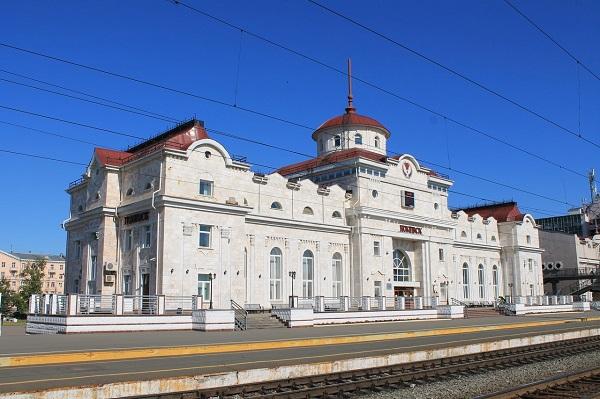 На фото – вокзал Ижевска